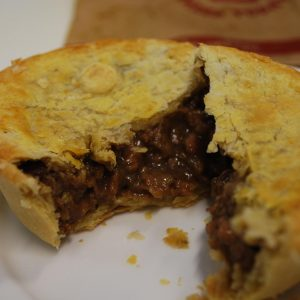 Steak_and_onion_pie